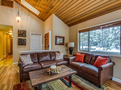 Photo for Short Walk to Deschutes River, Fully Enclosed Deck, Bikes, Hot Tub- ROGU04