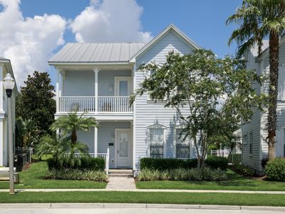 Photo for 4/3.5, Private Pool, Grill, Game Room, FREE Waterpark Access, Near Disney