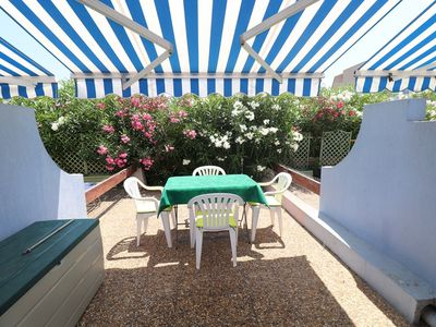 Photo for Studio Cabin on the ground floor with beautiful terrace, pool and parking place, 500m beach