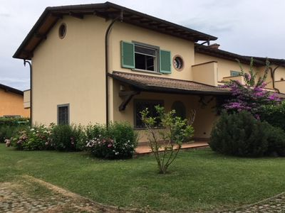 Photo for Delightful new villa Forte dei Marmi, 1400 m. sea, air conditioning