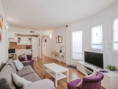 Photo for Pleasant 3 rooms in the center of Cannes