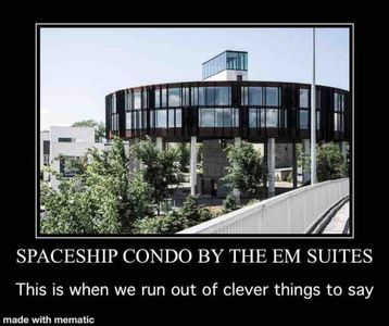 Photo for Spaceship Condo! King Bed!