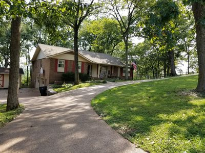 Photo for Quiet neighborhood, comfortable apartment, 10 miles from downtown Nashville