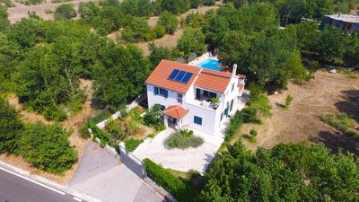 Photo for Luxury Holiday House With Pool only 20 km away from the historic center of Split