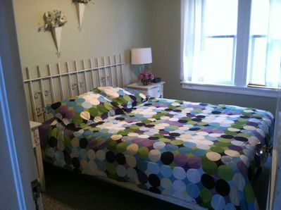 Second Bedroom with Queen Bed and Cable TV