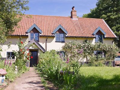 Photo for Idyllic Countryside Retreat in a Characterful FarmHouse - Sleeps 8