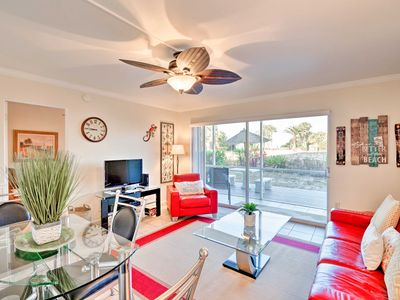 Photo for Charming Longboat Key Condo w/Lanai, Walk to Beach