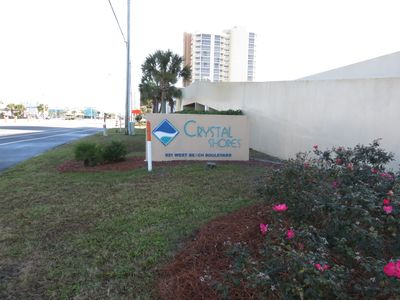 street sign for Crystal Shores