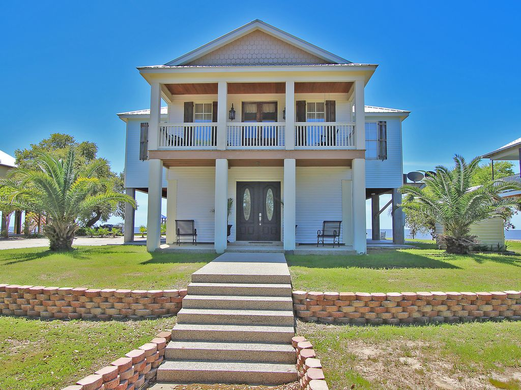 A Beach Wedding At Residence In Ocean Springs Mississippi