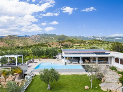 Photo for Villa with heated swimming pool surrounded by greenery