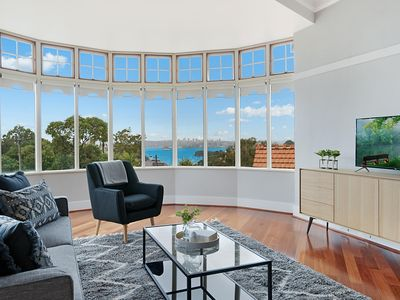 Photo for Huge Harbour View Apartment In Historic Home