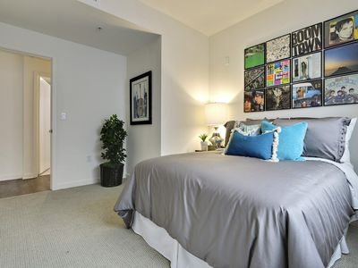 Photo for ⭐️⭐️⭐️⭐️⭐️ LUXURIOUS 2 BED/2BATH APT CLOSE TO HOLLYWOOD BLVD & UNIVERSAL STUDIOS