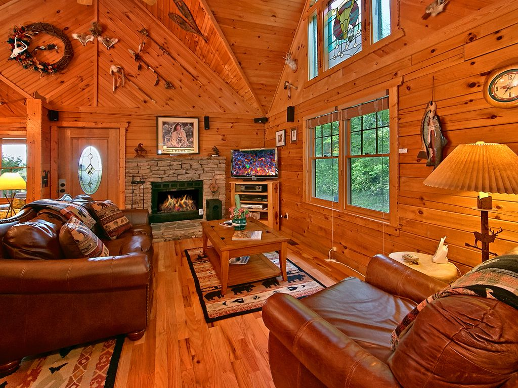 Unique Indian Decor 1 Bedroom Cabin In Pigeon Forge Wears Valley Area Pigeon Forge Sevier