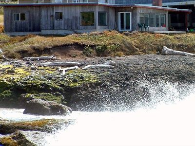 Photo for On the Churn - Oceanfront in Yachats