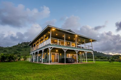 Nestled between the mountains and the sea, your perfect north shore Oahu retreat