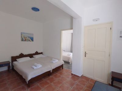 Photo for 4-5 persons Apartment 30 meters from Perissa Beach