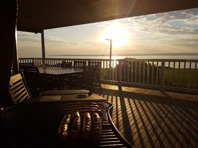 Enjoy a bbq at sunset, enjoying the sound of the ocean with an amazing view