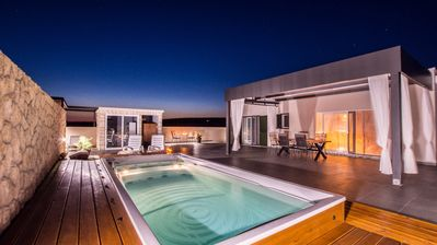 Photo for Luxury Villa with Heated Pool, 15 m from Beach, Grill, Private Parking