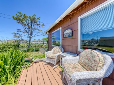 Photo for Dog-friendly & inviting cottage near the ocean with lake views!