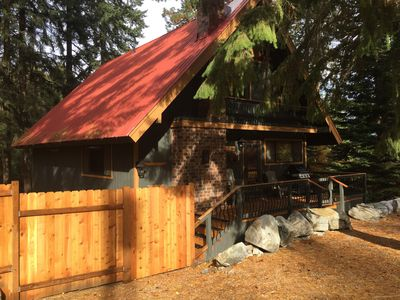 Photo for Fantastic home central to Stevens and downtown Leavenworth! HOT TUB*Sleeps 14