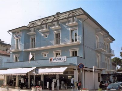 Photo for Cosy apartment with A/C, WIFI, TV, balcony, washing machine, pets allowed and parking