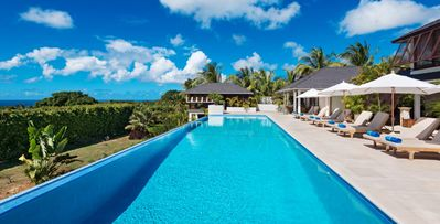 Tom Tom- 5 bd secure villa with entertainment in St. James Parish