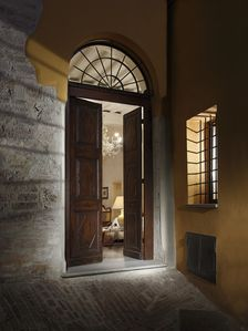 Photo for Stylishly renovated 170qm apartment in antique centre of Perugia, quiet location