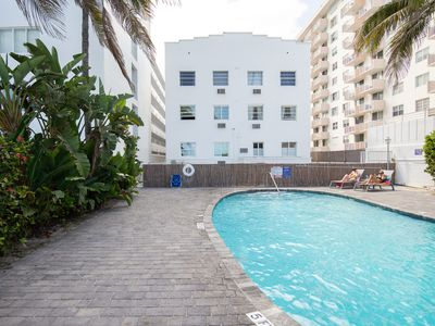Photo for Cozy, waterfront condo w/ a shared pool & a well-equipped kitchenette