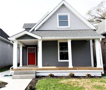 Huge 5 BD w/11 Beds Only 2 Miles from Downtown Indy!!!