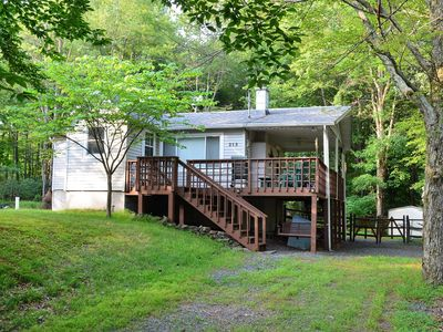 Photo for Charming Mountain Home with AC in Arrowhead Lakes!