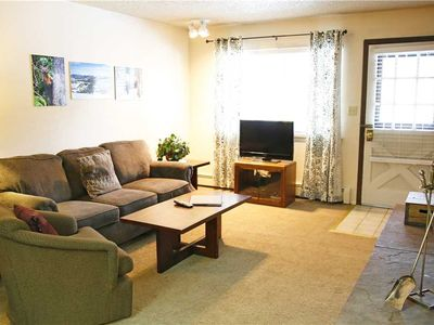 Photo for 1 bedroom with free Wi-Fi, flat screen TV and next to the Fraser River