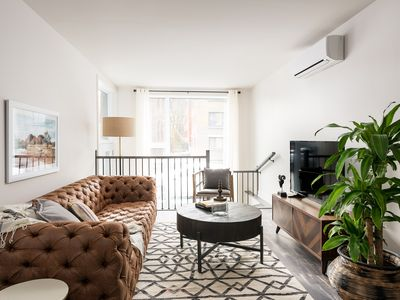 Photo for 2BR Apartment Vacation Rental in Montréal, QC