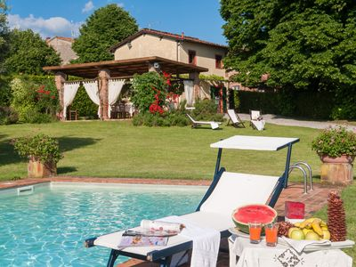 Photo for Typical Tuscan Villa: garden 5000 sqm fenced views pool air cond. fireplace WiFi