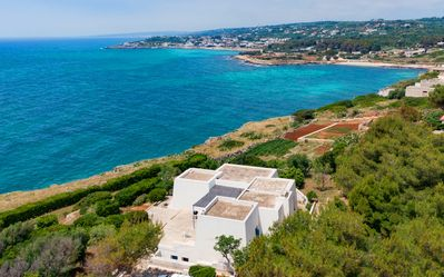 Photo for Wonderful seaview with direct access to the sea