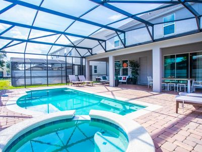 Photo for SPACIOUS 6 bed game room 20min to Disney at West Haven 1286