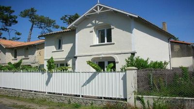 Photo for Pretty renovated house near beaches - sleeps 8 - 4 bedrooms -2 bathrooms
