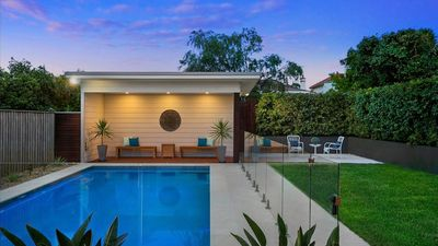 Inner West Oasis - 450m to station