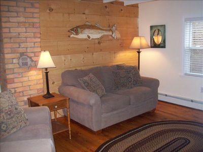 Back to the Basics, Cute and Cozy Cottage/Pet Friendly ** Fall Special Prices**