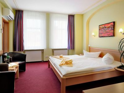 "Photo for Small Single Room - Hotel-Pension ""Am Schwanenteich"""