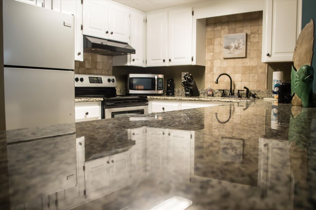 Gorgeous Beach Condo In The Heart Of Gulf Ss