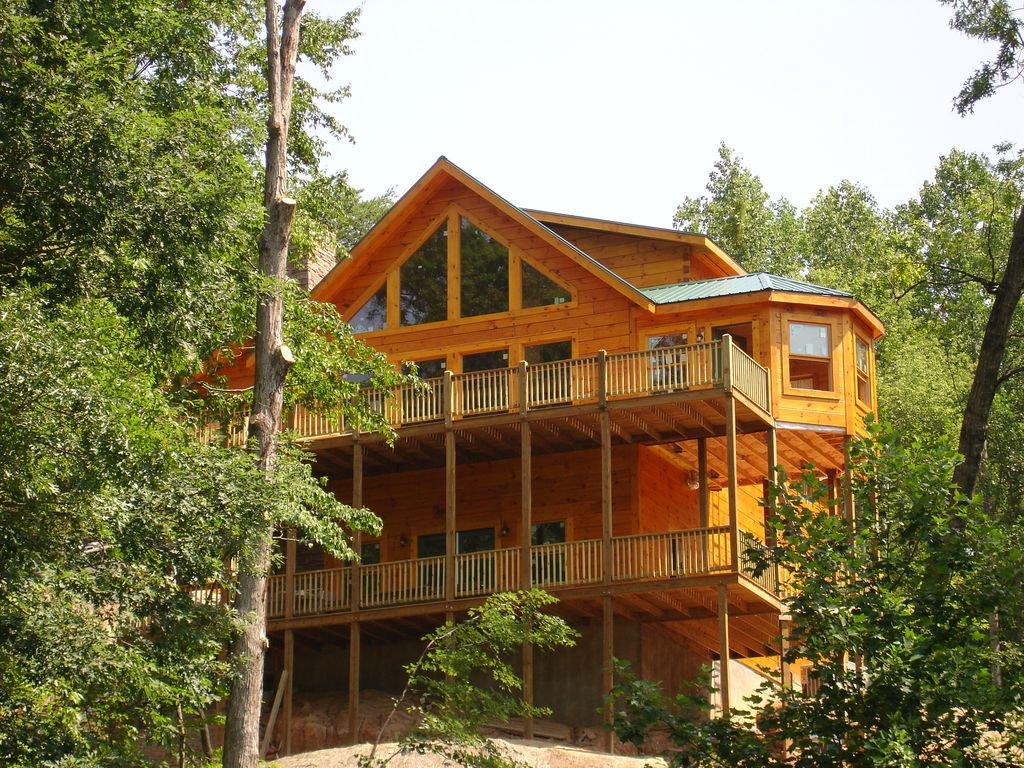 cabin and mountain carolina cottages lakefront vacation highlands lakeside cabins rental rentals north nc in