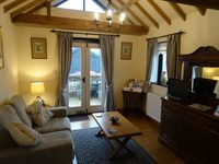 Comfortable cottage, peaceful surroundings