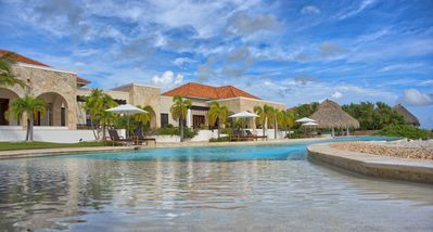 Photo for Perfect Caribbean Escape for 6 - Luxury 2 bedroom suite at Golden Bear Lodge - 522