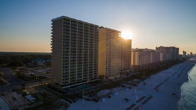 Photo for Oceanfront, 2BR/2BA, Huge Balcony, Master on Gulf, Free Wi-Fi & Beach Chairs