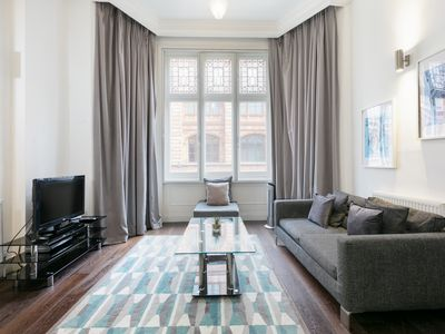 Photo for Smart 1 bd apt in Knightsbridge sleeps3 near tube