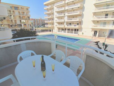 Photo for La Pineda Apartment with large terrace 150m from the beach Port Aventura 10mn