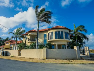 Photo for 4 Bedroom /4 Bathroom Beautiful Villa close to Eagle Beach