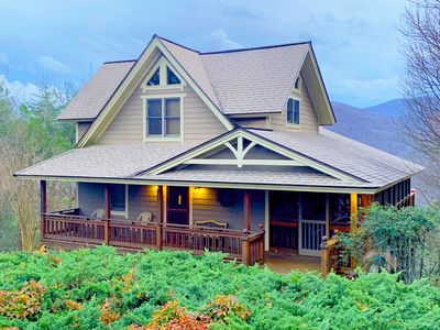 Bear Paw Ridge is an Upscale cabin in Blairsville, Mountain Views, Pool Table