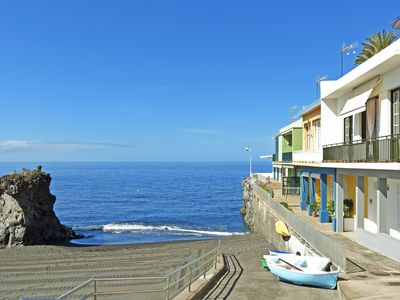 Photo for Casa Julio in front of the beach with fantastic views of the Atlantic