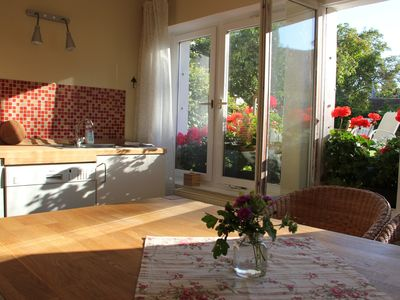 Photo for Tasteful apartment, garden, family friendly, close to the center, car parking space